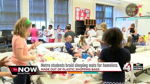 Students recycle plastic bags to make mats for the homeless
