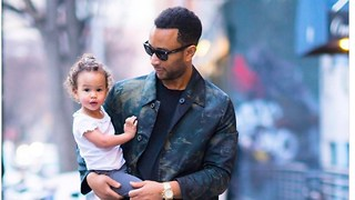 When This Picture Caused a Woman to Daddy-Shame John Legend, Chrissy Teigen Had the Perfect Response - Video