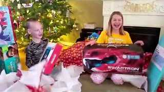 Parents Prank Kids With Light Bulb and Ironing Board on Christmas Eve - Video