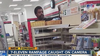 7-Eleven Rampage caugt on camera - Video