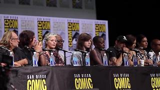 AMC's Walking Dead panel intro at Comic-Con - Video