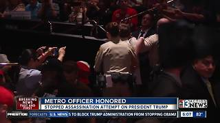 Officers honored for stopping Trump assassination attempt - Video