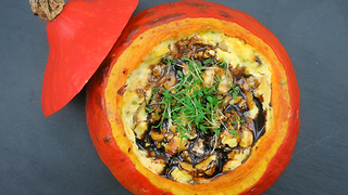 How to make Halloween pumpkin stew - Video