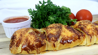 Divine croissant pizza braid recipe - Video