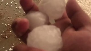 Large Hail Damages Vehicles in Saudi City - Video