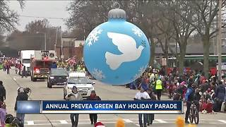 Annual holiday parade held in Green Bay - Video