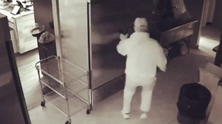 Feta Luck Next Time - Would-Be Cheese Store Thief Caught on Camera