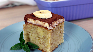 How to make banana cake with vanilla topping - Video