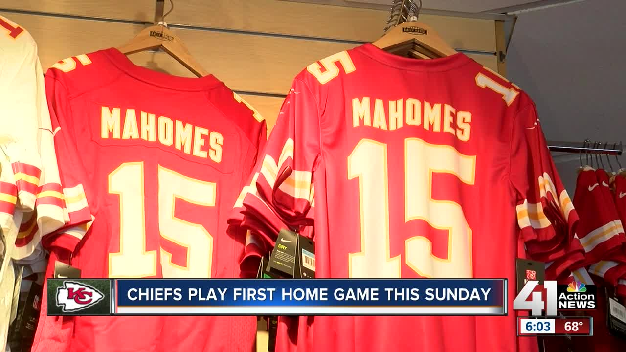 21f7710e93a Mahomes mania: Kansas City Chiefs' fans buying QB's jersey in bulk ahead of  home opener