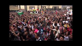 Colombia students and professors march to demand better public education - Video
