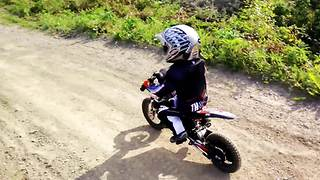 2-year-old masters professional motocross track - Video