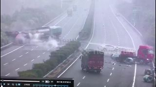 Major accident on motorway kills one in southern China - Video