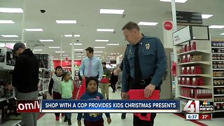 Shop with a cop provides kids Christmas presents