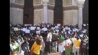 Students Rally in Algiers Against Embattled President Extending Fourth Term - Video