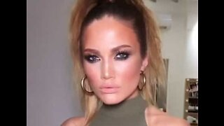 Model looks exactly like Jennifer Lopez