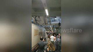 Pro-independence protesters stop speeding train in Catalonia - Video