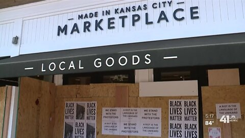 Plaza business, parks support protests, clean up damage