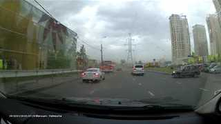 Dashcam Video Shows Sudden Storm In Moscow - Video