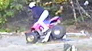 Inexperienced quad rider comes to a sudden halt  - Video