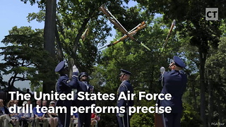 """Whoa: Air Force Colonel Goes Through """"Gauntlet"""" in Slow Motion - Video"""