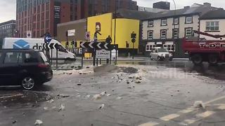 Burst water pipe causes flood in Sheffield - Video