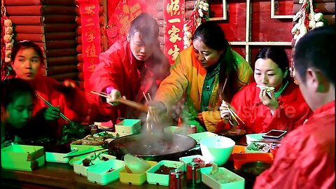 Chongqing residents eat hotpot in ice cave during heatwave