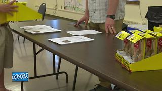 Brown County gives out rat traps - Video