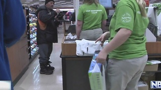 Shoppers in Green Bay, Ashwaubenon embrace post-dinner deals - Video