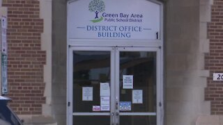 Green Bay parents and educators react to students returning back to the classroom