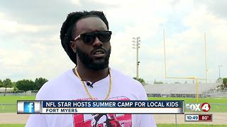 NFL star gives back to local community - Video