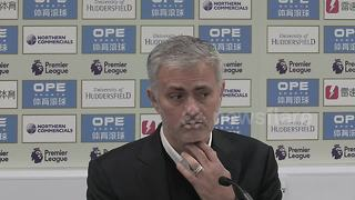 Angry Mourinho rips into United - Video