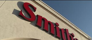 Smith's requiring emloyees to wear masks