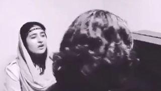 Persian girl singing a beautiful song - Video