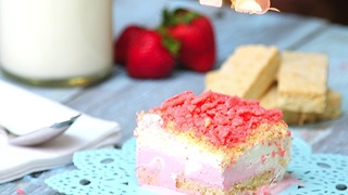 Strawberry Shortcake Icebox Cake - Video