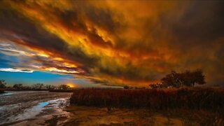 Photographer sells photos to help wildfire victims
