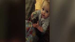 Cute Little Girl Won't Let Go of Mom's Money - Video