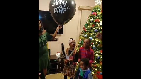 Dad & daughter have polar opposite reactions to baby's gender reveal