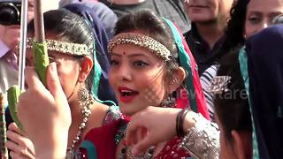 Hundreds gather in central London to celebrate Diwali - Video