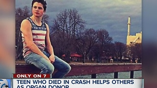 Teen killed in crash saving lives as organ donor - Video