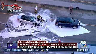Northbound Turnpike crash hampers traffic near Boynton Beach Boulevard exit - Video