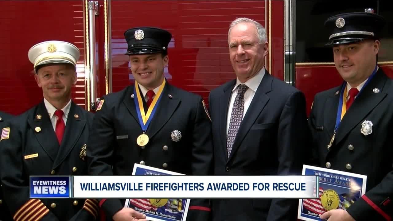 Williamsville firefighters awarded for rescue