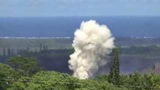 Huge Explosions From Kilauea Fissure Eruption - Video