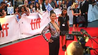 Halle Berry attends 'Kings' premiere at Toronto festival - Video