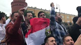 Egypt football fans chant in Moscow ahead of World Cup - Video