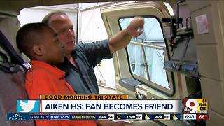 Fan meets Chopper 9 reporter Dan Carroll - Video