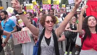 Unity protest against Tommy Robinson, Trump and the far-right - Video