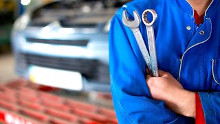 Save Your Car with 4 Insider Tips from a Mechanic - Video