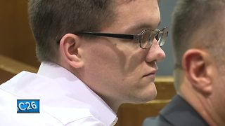 Oshkosh man avoids prison after physically abusing infant daughter - Video