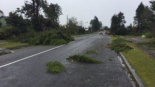 Tornado Hits Taranaki, Damages Houses - Video