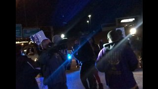 Protesters March Over Fatal Police Shooting of Black Man in Alabama Mall - Video